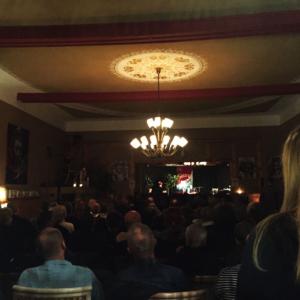 Flake Lesung im Café Saalekiez im Dezember 2017