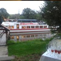 Café Saalekiez im Sommer Bootssteg mit MS-Händel