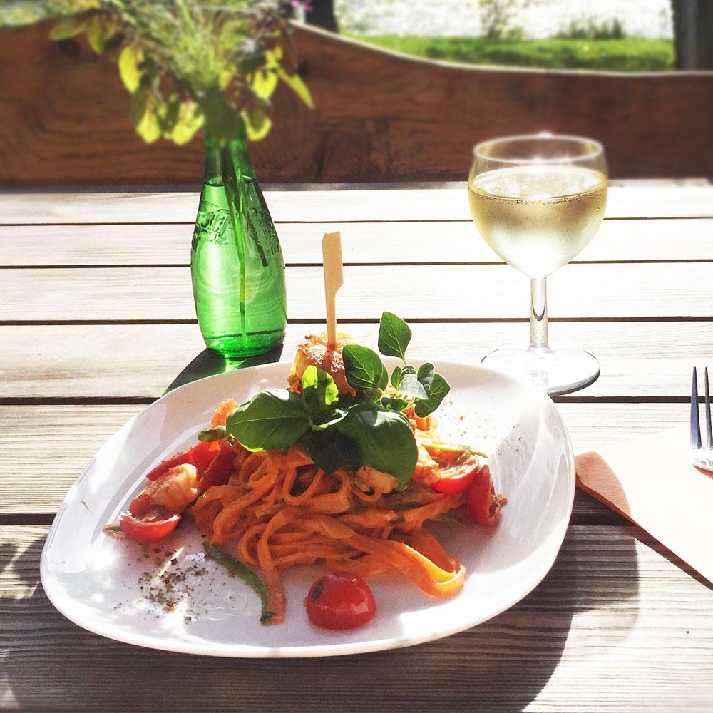 Saalekiez-Tomatenpasta-mit-Jacobsmuschel